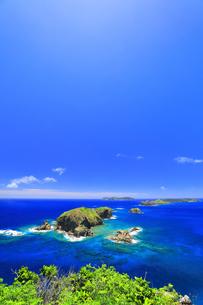小笠原国立公園 母島の小富士より姉島方向を望むの写真素材 [FYI04895455]