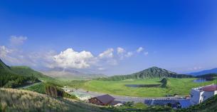 熊本県 風景 草千里ヶ浜の写真素材 [FYI04895470]
