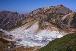 立山 地獄谷の写真素材 [FYI04895666]