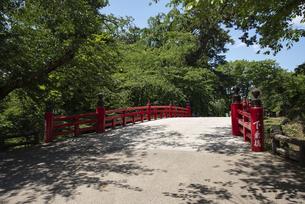 弘前城 下乗橋  の写真素材 [FYI04896127]