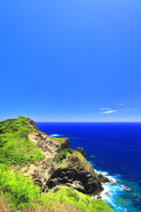 小笠原国立公園 小富士より母島南部の海岸の写真素材 [FYI04896198]