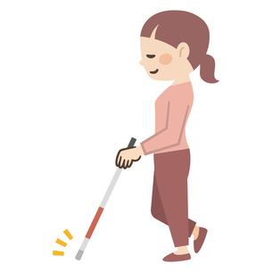 白杖で音を鳴らしながら歩く視覚障がいの女性のイラスト素材 [FYI04897834]