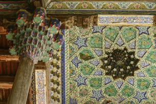 ウズベキスタンの世界遺産、ブハラのボロハウズモスクの装飾天井の写真素材 [FYI04898077]