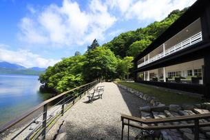 英国大使館別荘記念公園 中禅寺湖の写真素材 [FYI04899521]