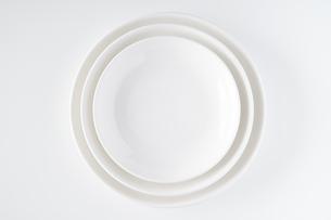 白いお皿の写真素材 [FYI04900109]
