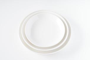 白いお皿の写真素材 [FYI04900112]