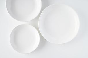 白いお皿の写真素材 [FYI04900116]