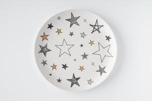 星柄のお皿の写真素材 [FYI04900120]