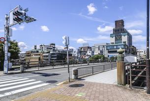三条大橋東側より見る街並み風景の写真素材 [FYI04901995]