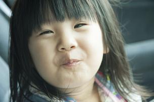 笑う女の子の写真素材 [FYI04902327]