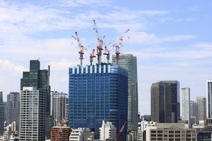 開発が進む麻布台・虎ノ門プロジェクトと港区の高層ビル群の写真素材 [FYI04902832]