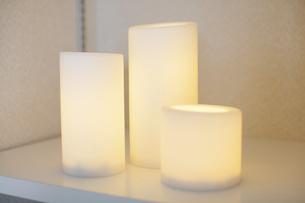 ベッドサイドの照明・ライトの写真素材 [FYI04902996]