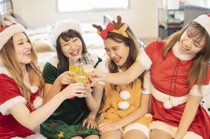 クリスマスパーティーの写真素材 [FYI04903820]