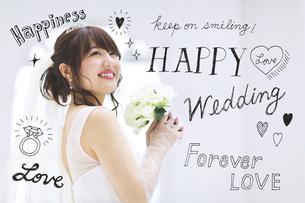 花嫁衣装を着た女性の写真素材 [FYI04904682]