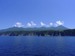 海から見た知床連山の写真素材 [FYI04906716]