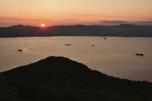 函館山からの夕日の写真素材 [FYI04907009]