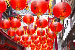 長崎新地中華街のランタンの写真素材 [FYI04907598]