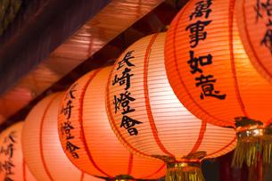 孔子廟回廊のランタンの写真素材 [FYI04907605]