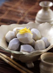 里芋の煮物の写真素材 [FYI04908312]