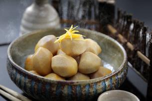 里芋の煮物の写真素材 [FYI04908314]