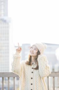 冬服の女性の写真素材 [FYI04909398]