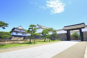 大阪城 千貫櫓と多聞櫓に大手門の写真素材 [FYI04909760]