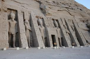 アブシンベル小神殿の写真素材 [FYI04910358]