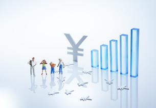ファミリー経済イメージ2の写真素材 [FYI04910802]