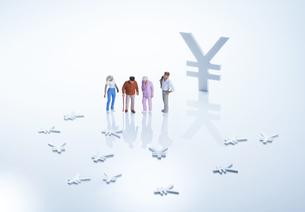 老後経済イメージ1の写真素材 [FYI04910809]