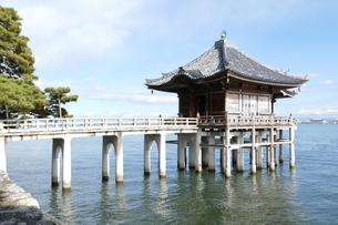 満月寺浮御堂 滋賀県の写真素材 [FYI04911054]