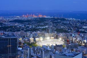 神奈川・横浜スタジアムを含んだ広域の写真素材 [FYI04911695]