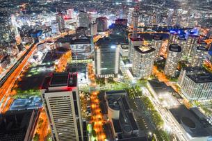 横浜駅周辺の夜景の写真素材 [FYI04911697]