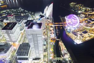 横浜ランドマークタワーからの夜景の写真素材 [FYI04911700]
