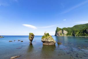 北海道 積丹半島の夏の風景の写真素材 [FYI04911951]