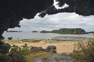 世界遺産西表島の星砂の浜の写真素材 [FYI04912008]