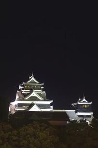 ライトアップの熊本城の写真素材 [FYI04912852]