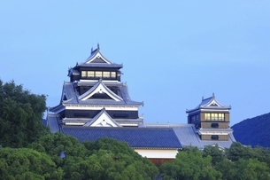 早朝の熊本城の写真素材 [FYI04912858]
