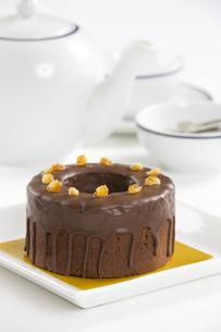 チョコレートバウムクーヘンの写真素材 [FYI04913392]