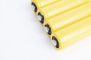 【産業】黄色の乾電池 の写真素材 [FYI04914166]