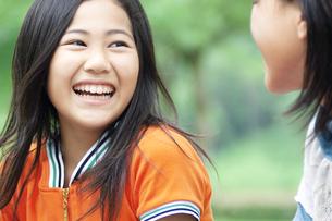 笑顔の女の子の写真素材 [FYI04914544]