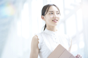 若いビジネスウーマン・女子大生の写真素材 [FYI04914818]