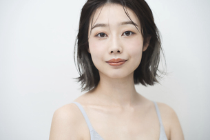 日本人女性のビューティーイメージの写真素材 [FYI04915826]