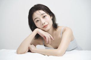 日本人女性のビューティーイメージの写真素材 [FYI04915827]