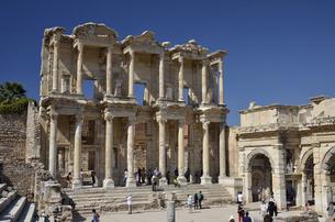エフェソス遺跡 セルスス図書館の写真素材 [FYI04917870]