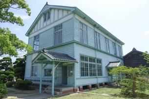 日本最古の海員養成学校だった国立粟島海員学校跡を利用した粟島海洋記念館の写真素材 [FYI04919585]