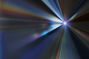 輝く放射光と放射線のアブストラクトのグラフィックス のイラスト素材 [FYI04920271]