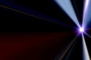 輝く放射光と放射線のアブストラクトのグラフィックス のイラスト素材 [FYI04920277]
