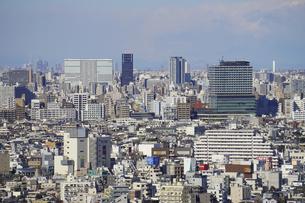 東京の街並み 三軒茶屋キャロットタワーから中野駅方向の写真素材 [FYI04920296]