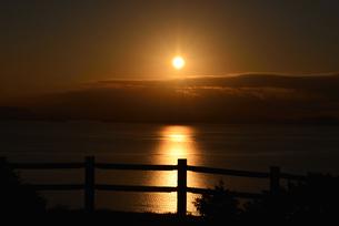 小豆島/瀬戸内海に沈む太陽の写真素材 [FYI04920533]