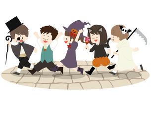 ハロウィンの仮装をしている子供たちのイラスト素材 [FYI04920751]